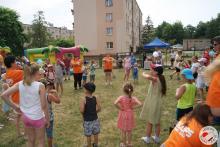 Pląsy i zabawy intergracyjne w wykonaniu dzieci i młodziezy