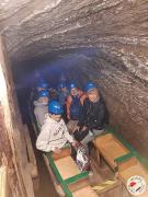 Rejs podziemną komorą zalaną solanką